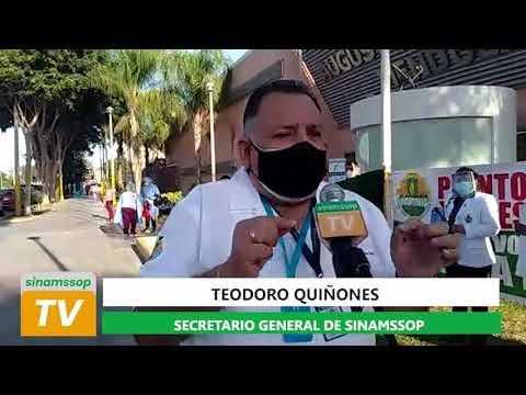 Entrevista a Teodoro Quiñones en los exteriores del Hospital IV Augusto Hernández Mendoza en Ica