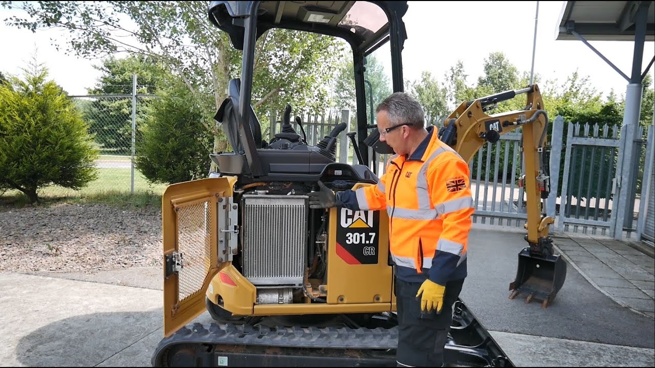 Helpful Hints from an Operator's Perspective - Cat® Mini Excavator Service and Maintenance