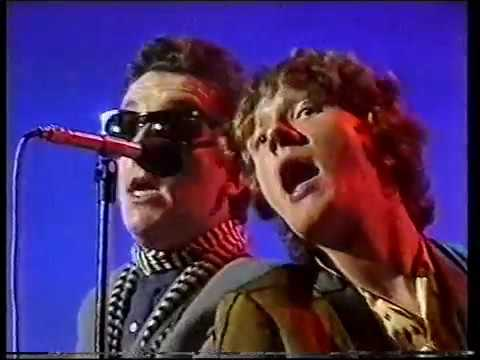 Elvis Costello and The Attractions with Glenn Tilbrook From A Whisper To A Scream (Live on