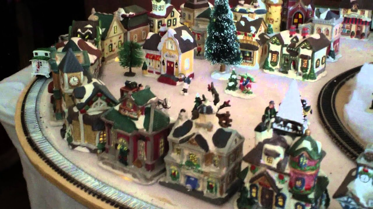 Bobs HO Trains Christmas Village 2012 - YouTube