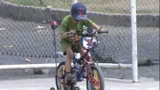 Baixar erick junior en el parque bici erick.MPG