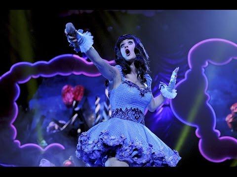 Katy Perry -  Ur So Gay (DVD Live)