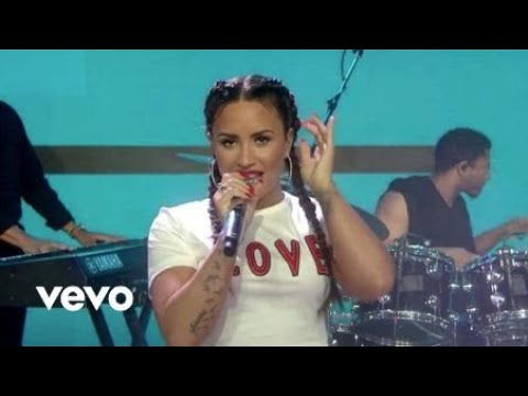 Demi Lovato - Sorry Not Sorry (Live On The...