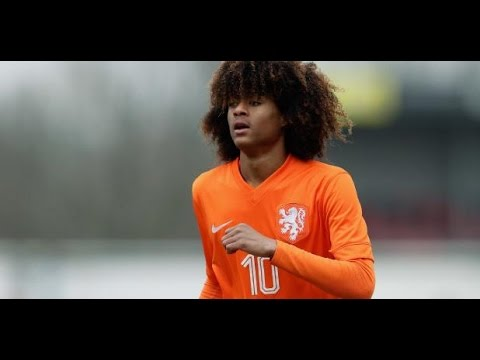 TAHITH CHONG Welcome to Manchester United - Wonderkid