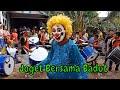 Badut Lucu Berjoget Diiringi Drumband Dangdut Koplo   Feat Ondel Ondel Badut Mampang