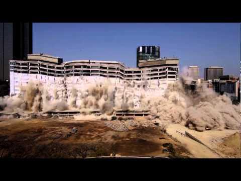 Massive implosion takes Pretoria building down