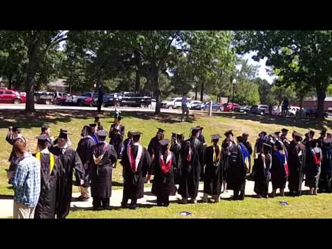 Lyon College Graduates congratulated by Faculty and Administration