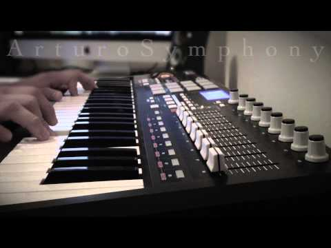 Acoustic Guitar on Keyboard (Arturo Nájera)