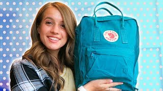 WHAT'S IN MY BACKPACK + GIVEAWAY // Junior Year