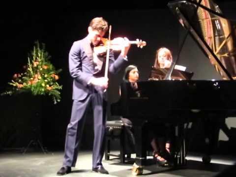"""Charlie Siem performing Mendelssohn's """"On wings of a song"""""""