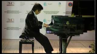 Piano prodigy Shuan Hern Lee (10) plays Toccata op.15 by Muczynski