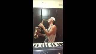 Tamally Maak (Amr Diab) Artur Mauzer (Sax Cover)Live in Dubai Resimi