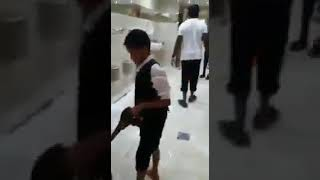 liverpool fc footballer Sadio mane cleaning mosque toilets