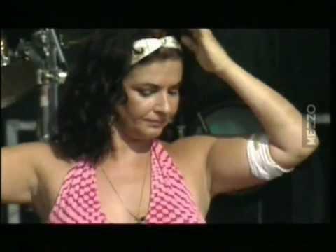 Natacha Atlas  Belly dance  Festival du Bout du Monde  2003