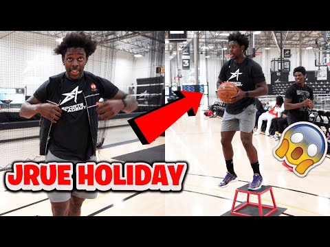 Jrue Holiday *CRAZY* STEPBACK and DUNK Workout with 15 pound weight vest 😱
