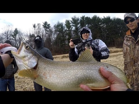 Hunting for my FIRST EVER Lake Trout from Shore ft. RaWr Fishing & CO (Clinton, NJ)