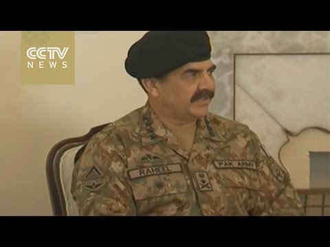 Pakistani army chief visits Kabul after school attack