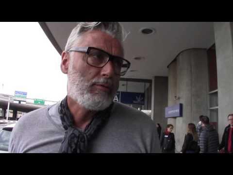 Interview Journalistique a L'aéroport Roissy Charles De Gaulle