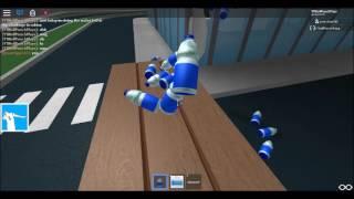 WATER BOTTLE FLIP CHALLENGE IN ROBLOX!!
