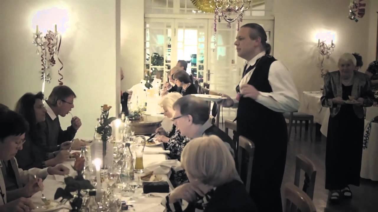 Weihnachtsfeier Unterhaltung.Unterhaltung Geburtstag Hochzeit Und Weihnachtsfeier Mit Comedykellner Francois