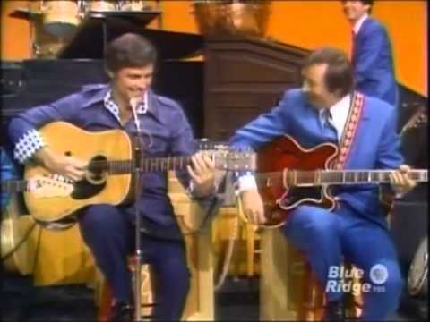 The Lawrence Welk Show - Mancini  Mercer - Interview, Bobby Burgess - 11-10-1973