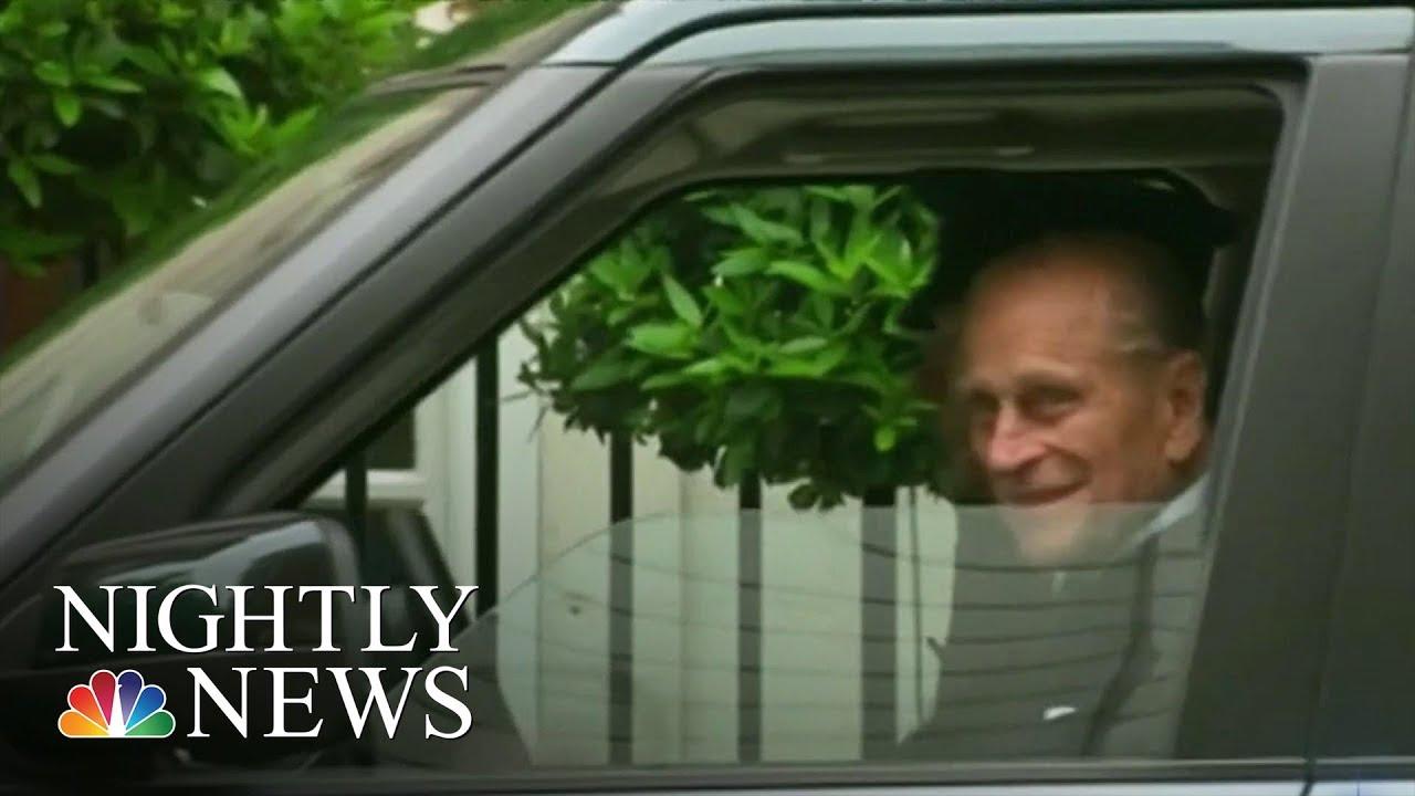 Prince Philip surrenders driver's license after crash