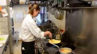 Miyuki's まかないDiary 4th Lesson(前編):焼き飯&お味噌汁(熊本市東区健軍のカジュアルイタリアン・スプラウト) thumbnail