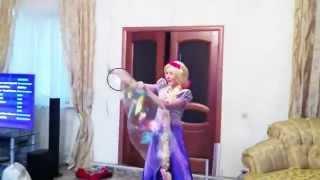 Заказать Шоу мыльных пузырей на детский праздник от yaromiradance.ru(, 2015-04-07T10:48:03.000Z)