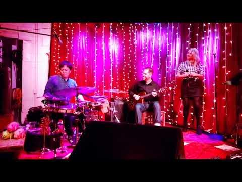 Charlie Hunter Trio - Spoonful Featuring Lucy Woodward & Keita Ogawa