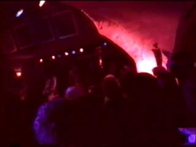 the-long-blondes-peterborough-live-new-cross-venue-2004-pain20040