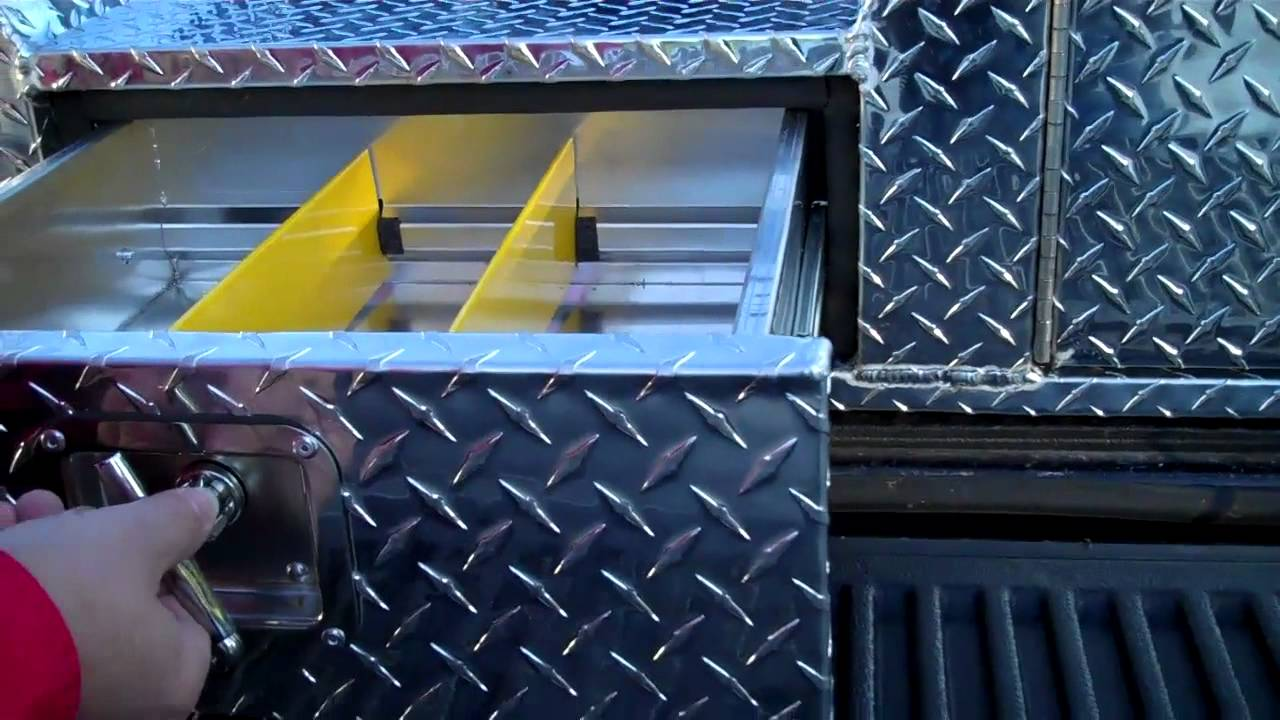 5Th Wheel Tailgate >> Brute RB257D Goosneck Tailgate Tool Box - YouTube