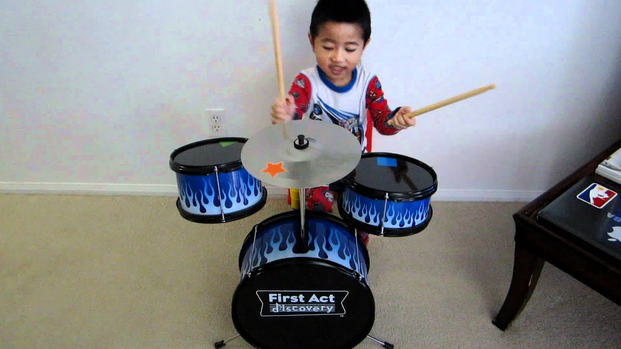 4-yr old playing First Act Discovery Drums - YouTube