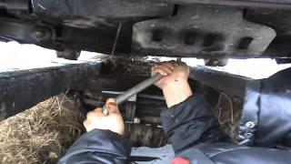 видео Замена масла в ваз 21074: как сделать своими руками