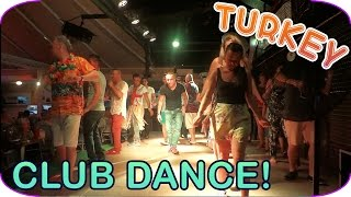 TURKEY Club Dance in CLUB ATRIUM HOTEL Клубный танец! Песня анимации в отеле Турция Marmaris 2015(Cool British hotel in Turkey! Let's DANCE! Веселая турецкая анимация! Туристы зажигают! *Взаимная подписка! Клубная песня и..., 2015-11-16T21:15:46.000Z)