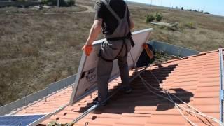 Солнечные панели. Зеленый тариф. Часть 2. Подъем и крепление электрических солнечных панелей(Как устанавливают солнечные панели на моем объекте., 2015-10-05T19:20:55.000Z)