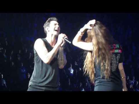 Maroon 5 Daylight with Dana Ben David Montréal 2013.MP4