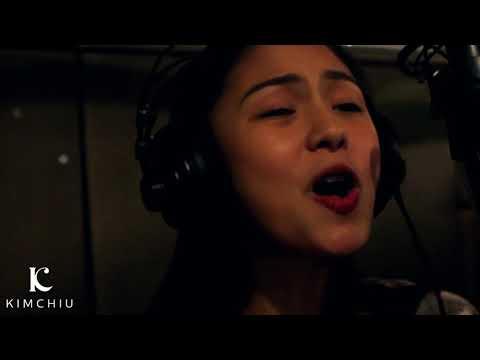 Kim Chiu sings 朋友 and 月亮代表我的心