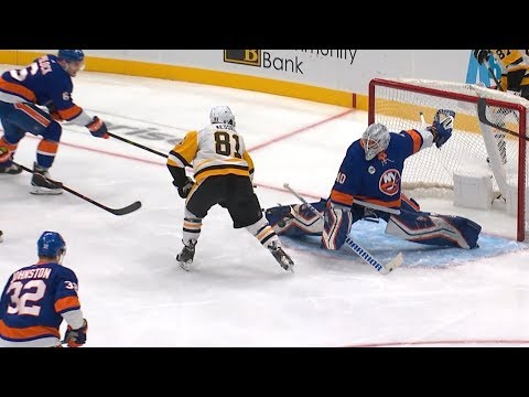 Lehner makes thrilling pad save on Kessel