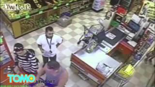 VIDEO: Lalaking sumingit sa pila, na-KO at na-comatose ang isa pang lalake!