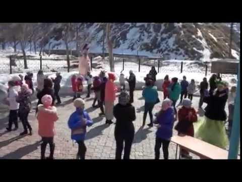 Невельские школьники с грустью попрощались с зимой