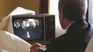 【穷电影】一个从未出门只看电视的老人,踏入社会后,竟开挂般走上人生巅峰