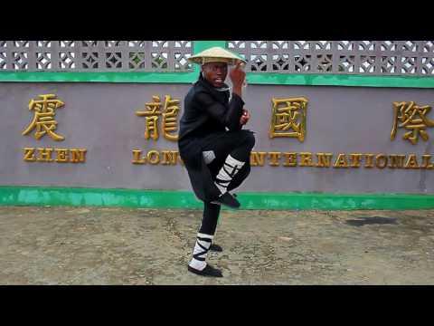 EL Bandeira (Chai Jxiang Nuku) - Muchungue (Vídeo Oficial)