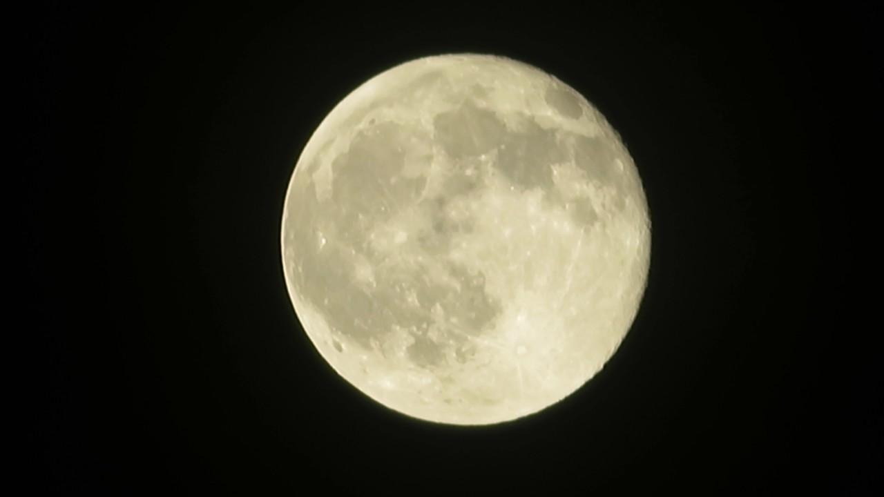 Canon 4k Video Camera >> Canon Powershot sx730 hs Moon Zoom [4K] - YouTube