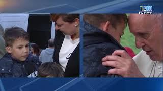 Papa Francesco a Corviale, Emanuele racconta l'abbraccio con il Papa e le sue lacrime