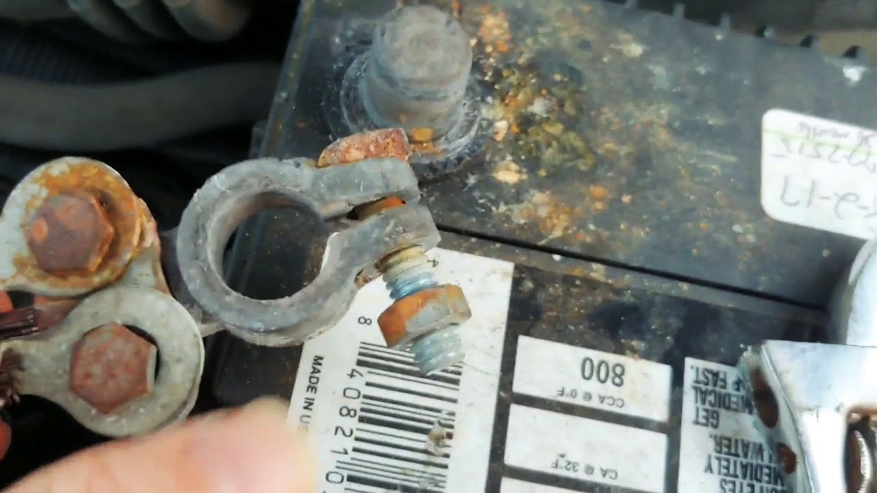 How To Remove Corroded Rusted Battery Terminals With Wd40 Diy Wd40