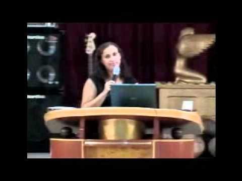 Pastora Ana Paula Guedes   Destruindo toda muralha que impede minha vitória profissional e meus sonhos