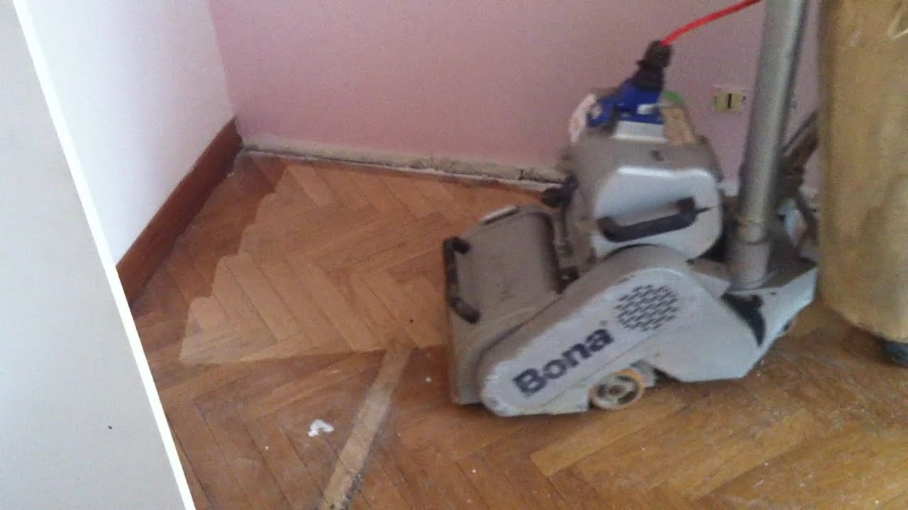 Pon age et vitrification de parquet batons rompus youtube for Poncage parquet chene