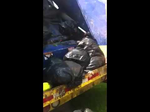 Packing Garbage truck 13