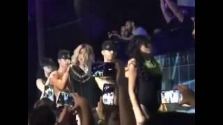 شاهد.. « مايا دياب » ترقص مع شواذ جنسيًا