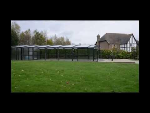 abri de piscine telescopique motorise abris venus international youtube. Black Bedroom Furniture Sets. Home Design Ideas